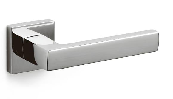 Olivari Planet Q door handle designed by Luca Casini