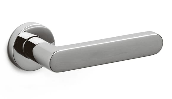 Olivari Link door handle designed by Piero Lissoni