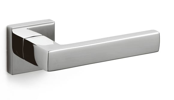 Olivari Planet Q door handle designed by Luca Casini